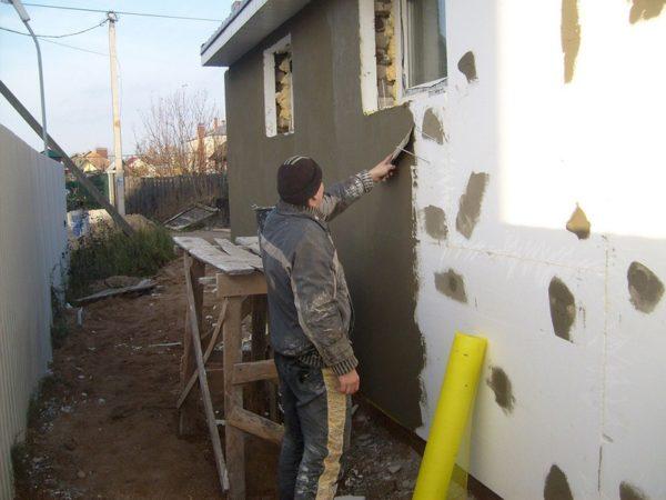 Армирование утепленного фасада стеклосеткой и штукатурным раствором