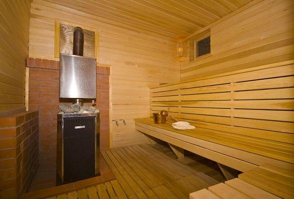 Чтобы в бане было комфортно, полы в ней надо утеплить.