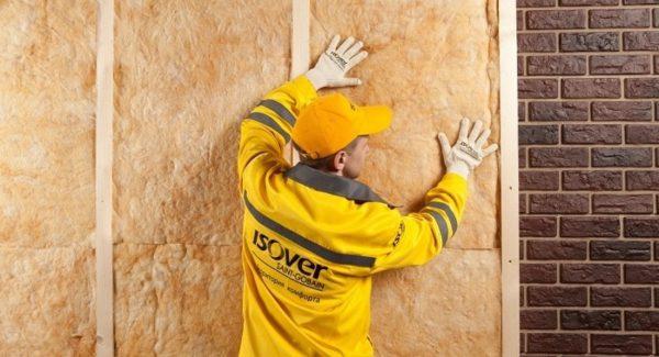 Данный вид утеплителя легко монтируется на любые стены.