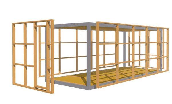 Деревянный каркас ставят снаружи или внутри