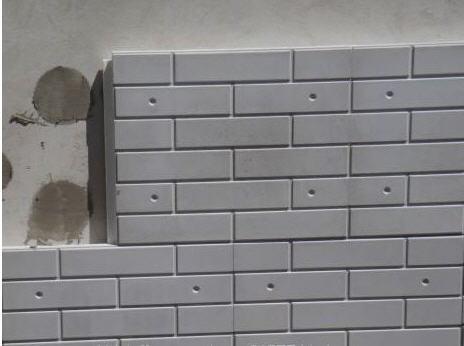 Для фасадов используют готовые панели с утеплителем для обшивки дома.