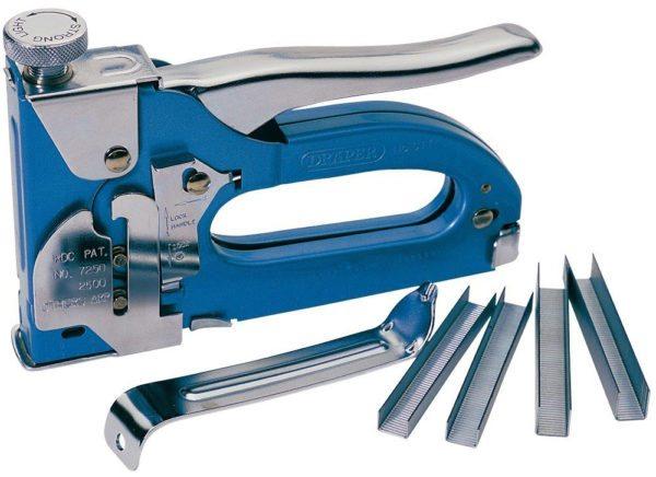 Для работы подойдут скобы длиной 6-8 мм