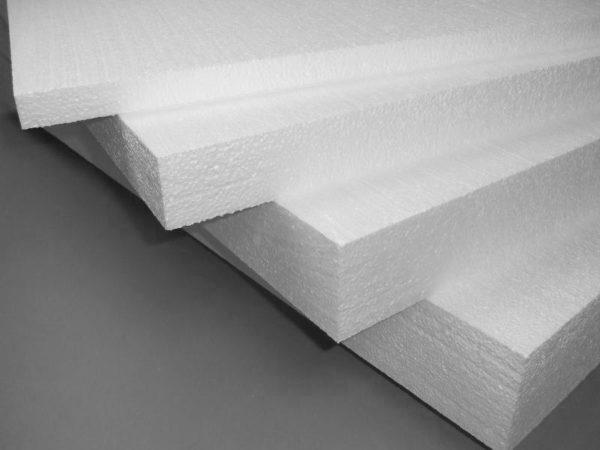 Для теплоизоляции используются плиты разной толщины и плотности