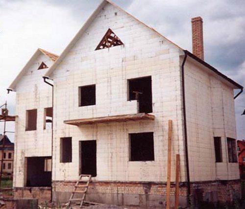 Дом из пенопластовых блоков может прослужить более 100 лет