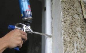 Эффективное заполнение зазора пеной – основа качественной установки окон на лоджию