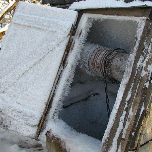Это – отнюдь не главная проблема. Главное, чтобы не замерзла вода!