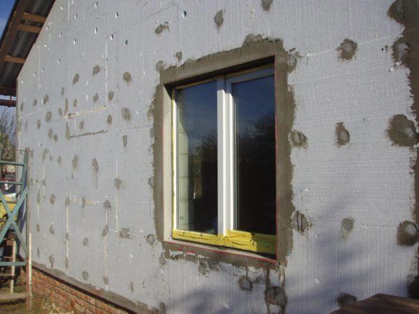 Фасад, обшитый пенопластом