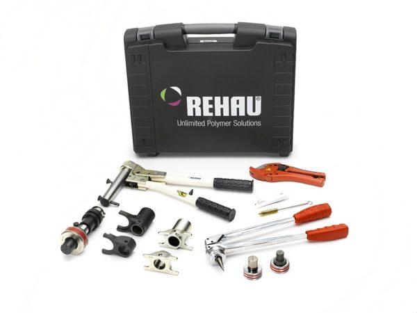 Фирменный набор инструмента для монтажа систем Рехау.