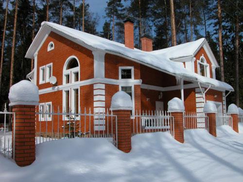 Фото – Дом из кирпича