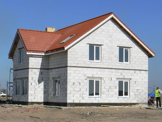 Фото дома с газобетонными стенами