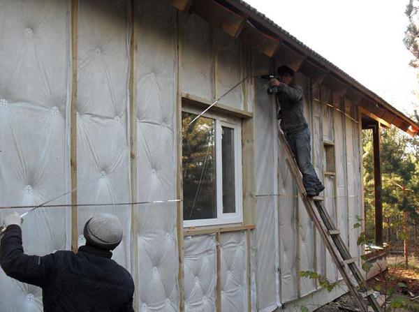 Фото одного из вариантов утепления частного дома снаружи.