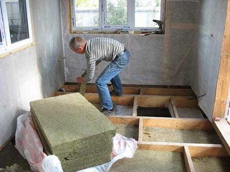 Фото: работаем на даче с полами