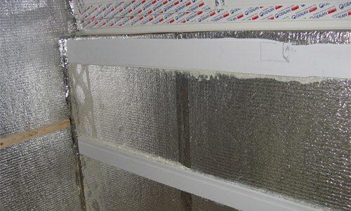 Фото стен, оклеенных фольгированным полиэтиленом