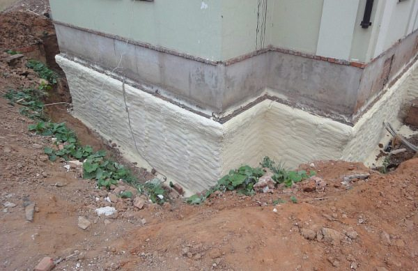 Фото утепления фундамента здания