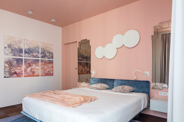 спальня в персиковых тонах