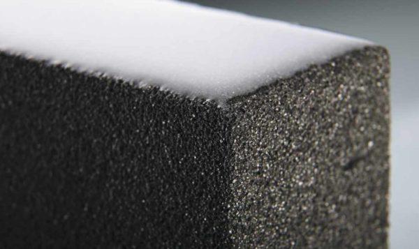 Хорошая морозостойкость пеностекольного блока обеспечивается низкой влагоемкостью