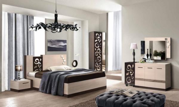 Спальня, обставленная модульной мебелью