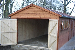 Бюджетный гараж из дерева