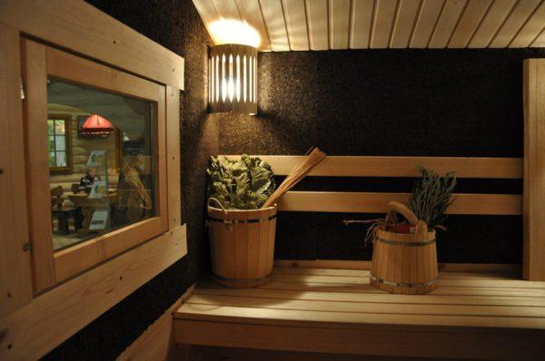Интерьер бани с отделкой Термокорк.