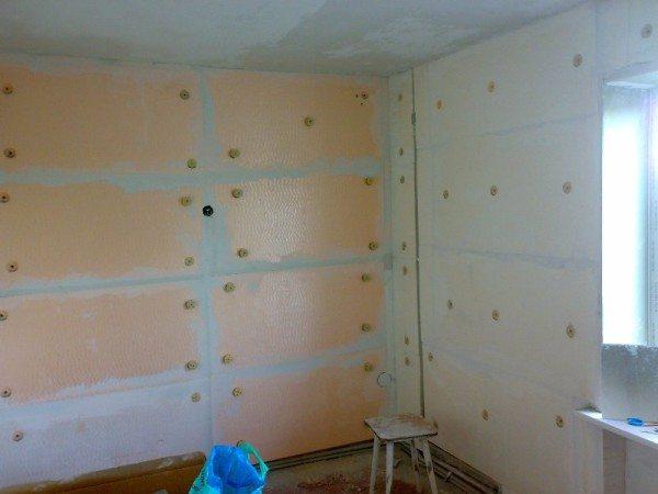 Использование для утепления внутренней поверхности стен в доме специальных листов ДСП