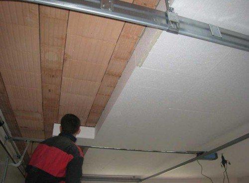 Как утеплить деревянный гараж с помощью пенопласта