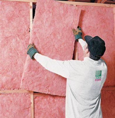 Как утеплить стены изнутри дома — можно использовать минеральную вату.