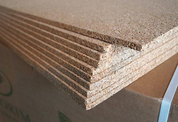 Листовая техническая пробка удобна для монтажа на стены, пол и потолок.
