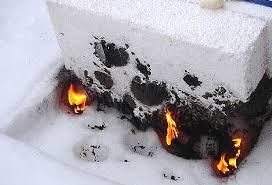 Любительское фото подтверждающее, что данный материал практически не горит