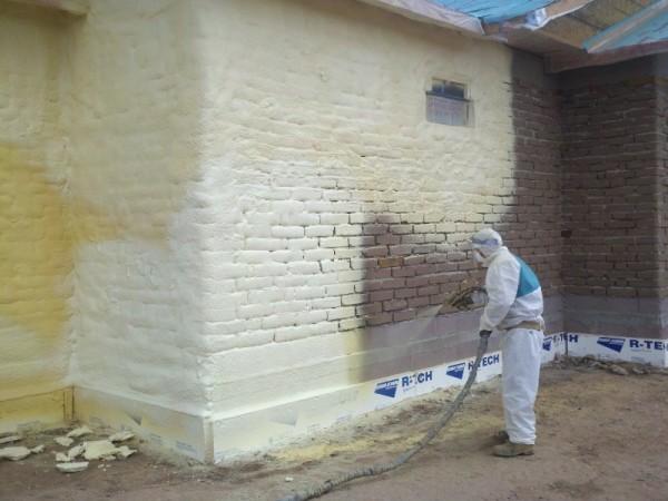 Материал можно применять и снаружи зданий.