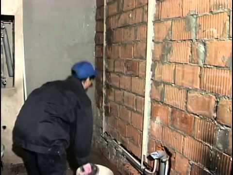 Маячки крепятся при помощи обычного цементного раствора