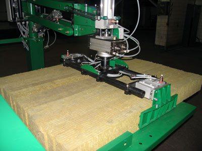 Минераловатные плиты производятся на подобных автоматизированных станках с электронным управлением