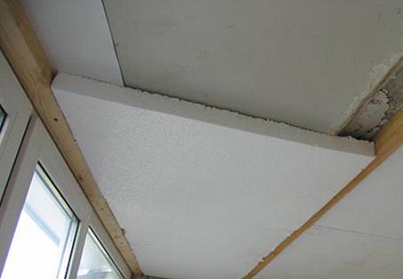 Монтаж пенопласта на потолок