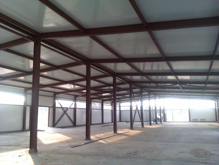 На основе металлокаркасов строят торговые павильоны, склады, спортивные залы и другие общественные и хозяйственные сооружения.