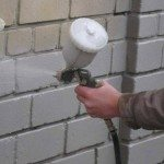Нанесение жидкого керамического утеплителя