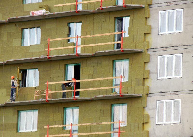 Монтаж утеплителя на фасад здания