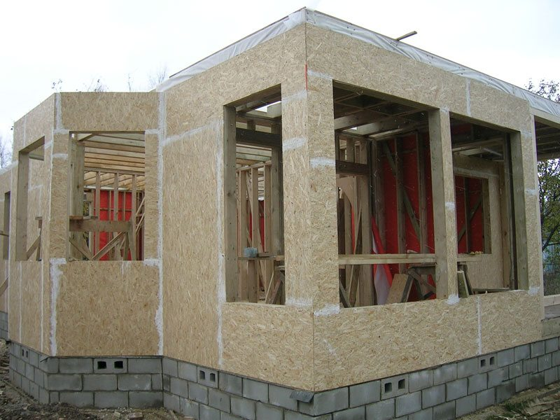 Новые утеплители в строительстве позволили применять прогрессивные методы возведения домов.