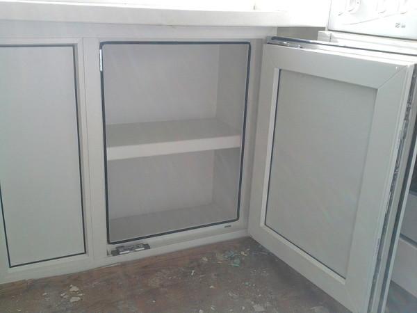Один из вариантов оформления хрущевского холодильника