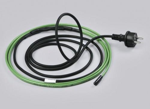 От случайных повреждений кабель тоже защищен неплохо. Но от собаки его все же лучше спрятать.