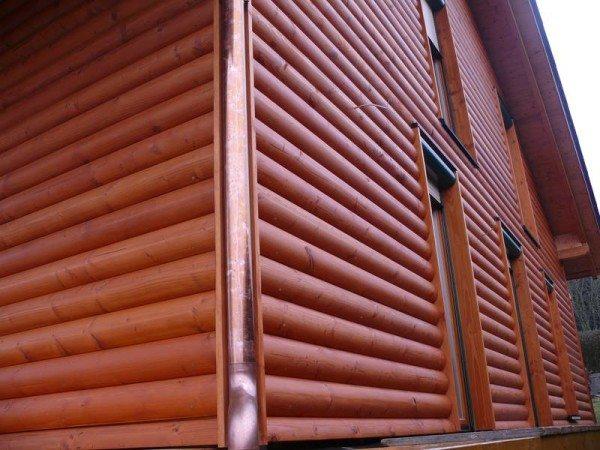 Отделка фасада панелями «блок-хауз»