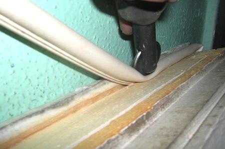 Пазовый утеплитель для деревянных окон
