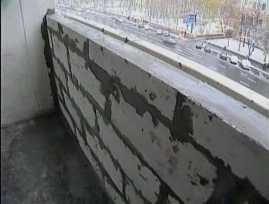 Пенобетонная кладка парапета балкона: фото