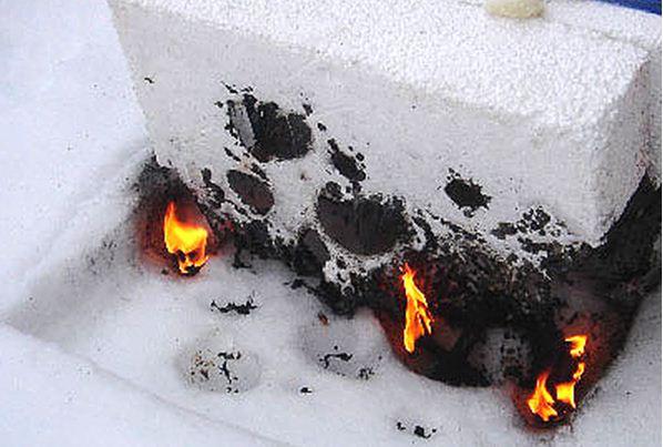 Пенополистирол хорошо горит