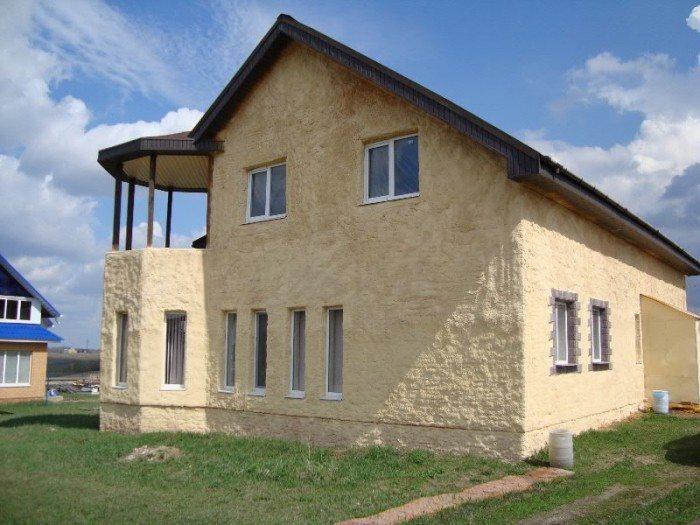 Пенополиуретан обеспечивает надежную и долговечную теплоизоляцию жилья
