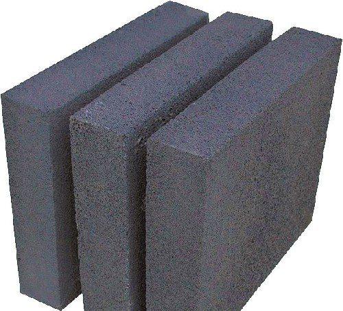 Пеностекло — весьма прочный плитный утеплитель.