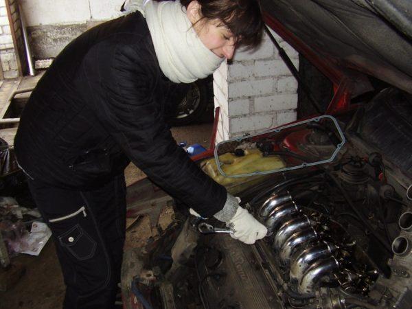 Перебирать двигатель лучше в тепле, а не на холоде