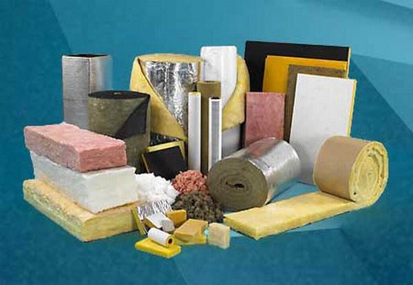Перед тем, как утеплить стены в частном доме изнутри, необходимо определиться с материалом.
