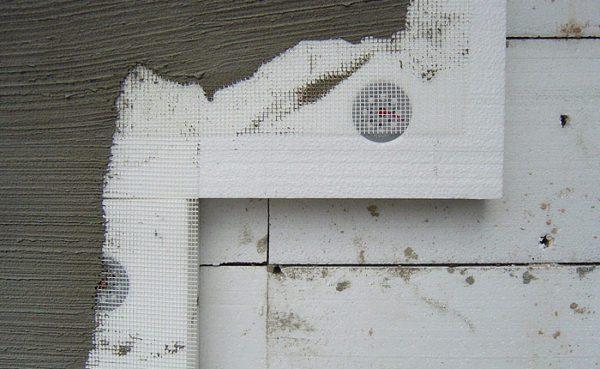 Плиты пенополистирола, склеенные цементно-полимерным раствором