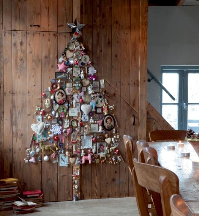 Плоские новогодние елки на стене из фотографий