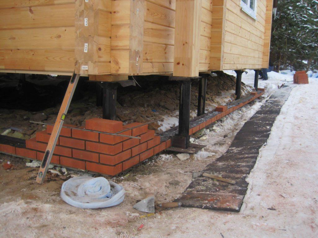 Дома на винтовых сваях: строительство и утепление свайно-винтового фундамента снаружи, видео и фото