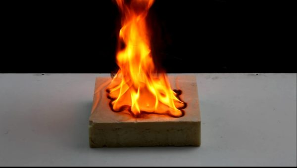 ППУ, как любой пластик, поддерживает горение.